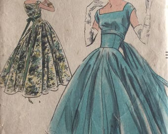 Vintage Sewing Pattern Vogue 8991 One-Piece Evening Gown or Cocktail Dress Two Lengths w/ Wide Circular Skirt and Back Panel ©1956