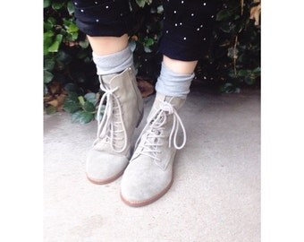 GAP gray leather slouchy lace up ankle boots size 8