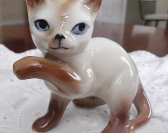 Siamese Cat Vintage Figurine Blue Eyes Ceramic Cat Collectible