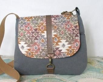 Mesa-- Crossbody messenger bag // Everyday purse // Tribal // Southwestern // Vegan purse // Travel purse // Neutral// Grey // Ready to ship