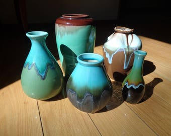 Vintage Vignette of Five (5) Vases in the same color palette but in different shapes, A Curated Collection for sale in Very Good Condition