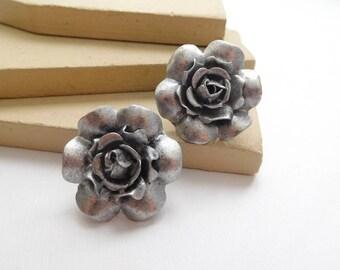 Vintage Distressed Silver Tone Metal Industrial Flower Pierced Earrings L25