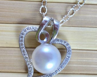 Pearl and Sterling pendant on 18 inch Sterling Chain-Pearl Pendant-Freshwater Pendant on Sterling-Pearl Sterling Silver Necklace