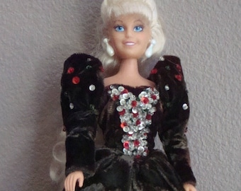 Barbie 1992 Elegant in Velvet