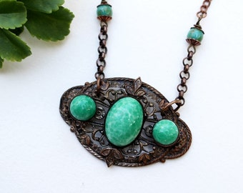 Green Bead Necklace, Beaded Jewelry, Recycled Repurposed, Short Necklace, Beaded Necklace, Bohemian Necklace, Statement Necklace