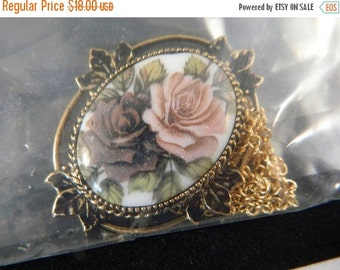 Last Minute Holiday SALE Vintage Sarah Coventry Painted Rose Flower Necklace / 1970s Goldtone Pendant Necklace in the Original Box New Old S
