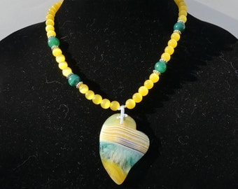 18 Inch Yellow, Green, and White Striped Agate Offset Heart Pendant Necklace with Earrings