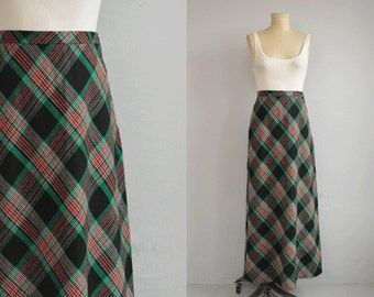 Vintage 1970s Bias Maxi Skirt / 70s Wool Plaid Maxi Bias Cut / Black Red Green Holiday Plaid
