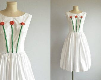 Vintage 60s Dress / 1960s Applique Cotton Sundress / White Summer Dress with Red Flower Applique