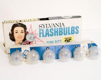 Vintage Sylvania Flash Bulbs Set of 12 in Box