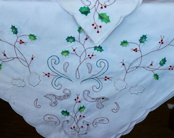 Vintage Linen Tablecloth 4 Napkins Large Embroidered Christmas Red White Green Holly Berries Openwork