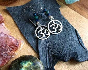 UNIVERSE om silver metal charm dangle charm earrings with color changing czech faceted glass beads