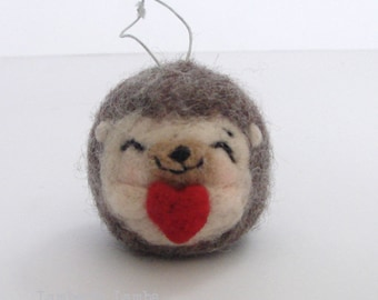 Needle felting Hedgehog with heart, Felted Small Hedgehog, Hanging ornament decoration