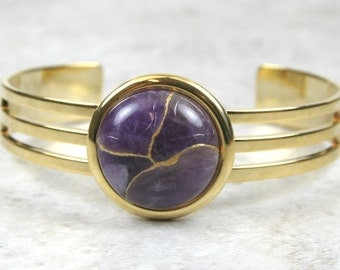 Kintsugi (kintsukuroi) cuff bracelet with amethyst stone cabochon with gold repair in a gold plated setting - OOAK