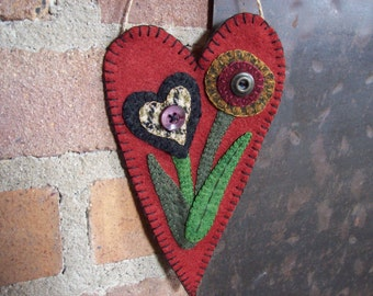 Penny rug Flowers Rustic Country Heart Valentine Door Hanger Gift Candy Holder