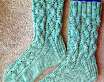 Hand Knit Womens Cashmere-Wool Blend Socks (S-220)