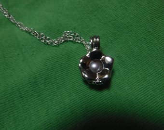 Pearl Cage Necklace!