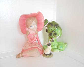 Big Eyed Girl statue figurine with blue eyes  70s Big Eyed Girl Pink / Girl gift / Girl Room Decor