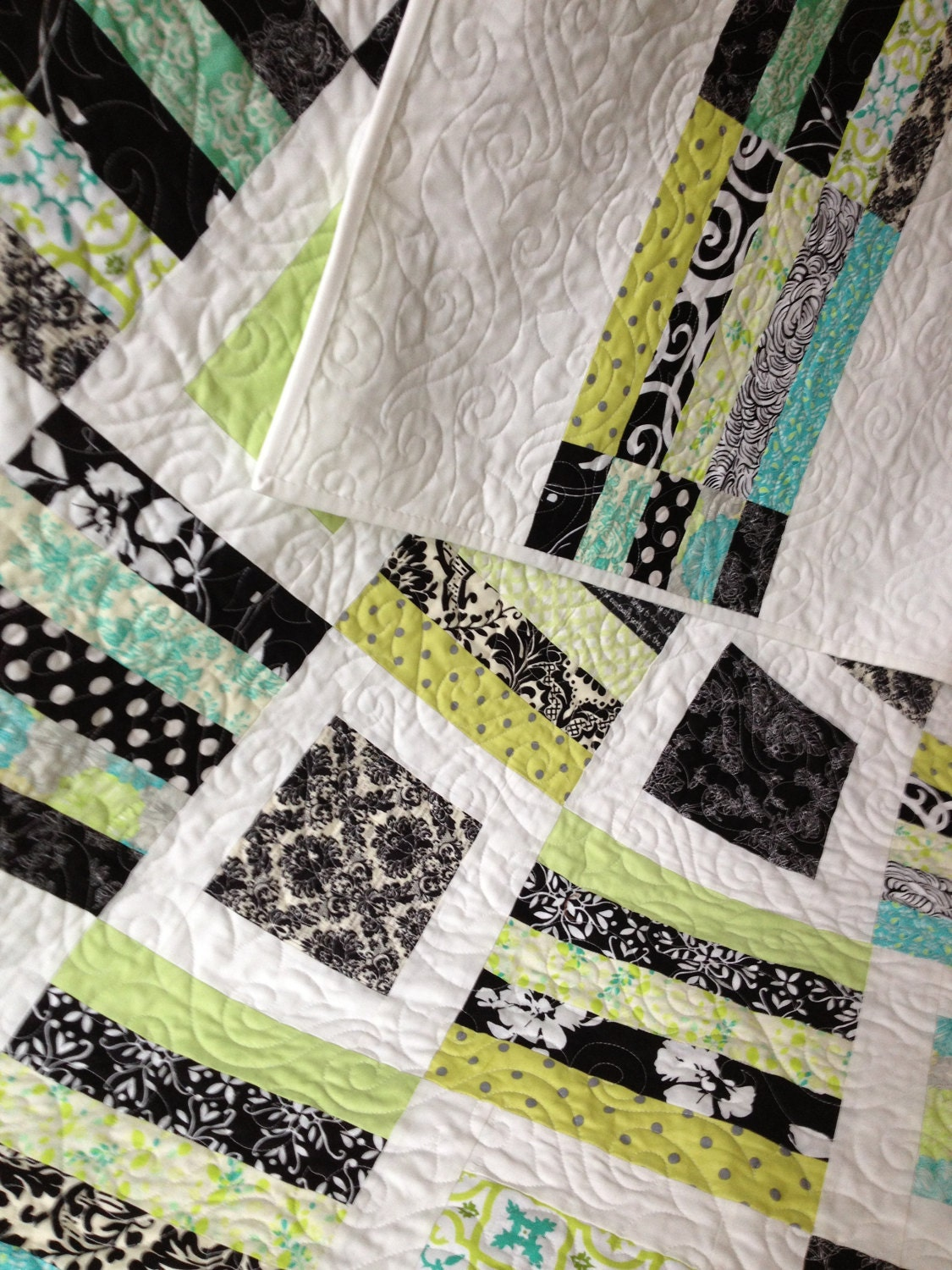 Tuesdays Tips ~ How Long Does It Take to Quilt a Quilt?  Quilt Pattern is a variation of Radio Way by Jaybird Quilts and pantograph is Cafe du Monde by Patricia Ritter