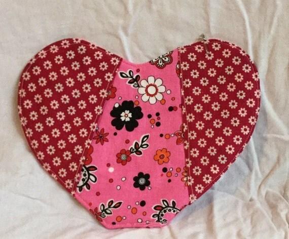 Heart Shaped oven mitt/pot holder
