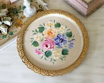 VINTAGE TOLE TRAY - Nashco Tole Tray - Pink Roses - Florals - Flowers Reticulated Gold Rim - Round Cream Pink - Toleware - Shabby Chic