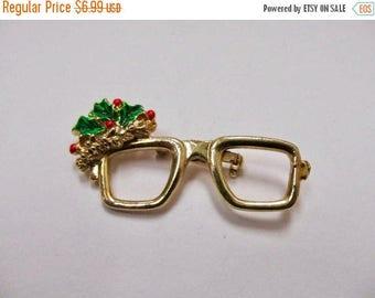 On Sale Vintage Enameled Christmas Eye Glasses Pin Item K # 1400