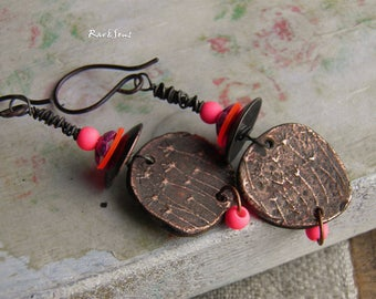 Bohemian earrings,gypsy earrings-exo-vintage style-rustic earrings-vintage look,artisanal pendant-dandelion pendant-pink-neon pink-copper