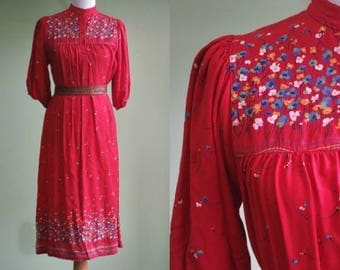 "1970s 80s RED Dress - Boho Tent Dress - 38"" Bust"