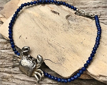 With a crab silver lapis lazuli bracelet. Bracelet silver and lapis lazuli. Bracelet silver crab. Crab silver.