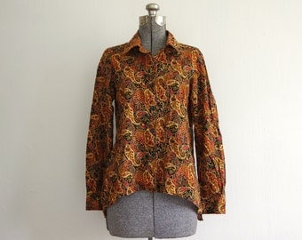 Vintage Handmade High Low Button Down Black Red Orange Paisley Long Sleeve Shirt Blouse