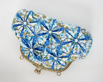 6″ Kiss lock -Quilted Patchwork Clutch Bag, Blue Flora