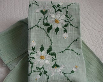 Tea Towel, Cross Stitched Embroidered, Green and White, Linen tea towel, Vintage towel, Hand towel, Kitchen towel, Easter, Springtime,