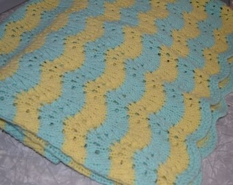 Vintage Scallooped Yellow & Turquoise Afghan ~ Lap Blanket ~ Vintage Throw ~ Vintage Bedding ~ Epsteam