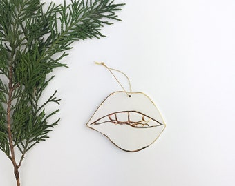 Mouth Ornament White And 22k Gold Minimal Holiday Lips Ornament Christmas Gift Keepsake Decor Porcelain Pottery READY TO SHIP