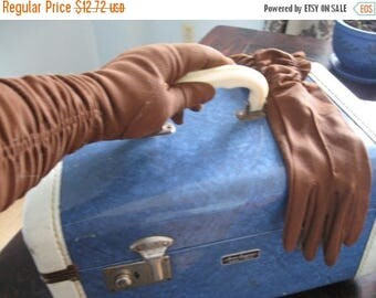 SALE 1950s Gloves Vintage Dark brown, pleat fold elastic stylish Kelly bag gloves Sunday best