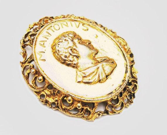 Vogue Jlry Pendant -  gold  Roman cameo -M Antonivs Mark Antony - vintage pendant