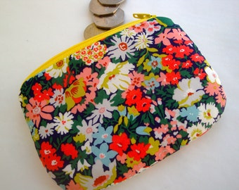 Floral Cotton zipper Coin Purse - Liberty Print Coin purse - handmade - gift - women - girls - pretty fabric coin purse