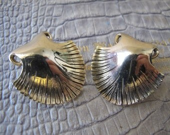 "Designer ""Tortolani"" Crislu Gold Shell Earrings.Vintage Classical Italian Designer Costume Jewelry.Shell Motif Earrings, Elegant Shape Style"