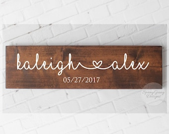Engagement Gift//Wedding Date Sign//Wedding Gift//Pallet Sign//photography props//rustic wedding decor//bridal shower gift//gift for bride