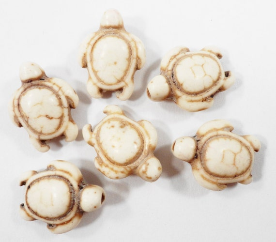 """Stone Turtle Beads 17mm Ivory White Turtle Beads, Animal Beads, Howlite Gemstone Turtle Beads Tortoise Beads on a 7 1/2"""" Stand with 12 Beads"""