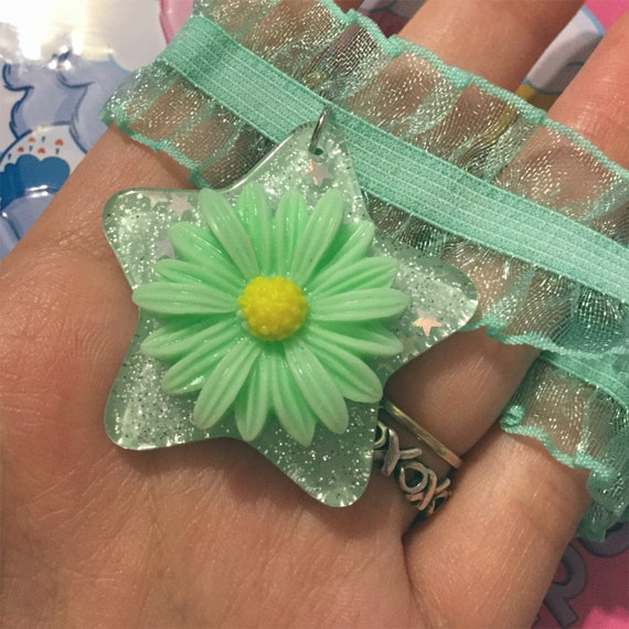 Mint Daisy Choker