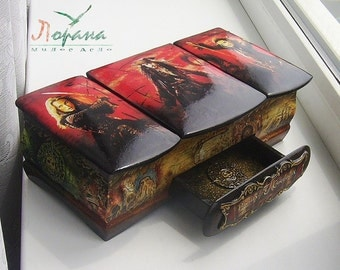 """Original Box """"Pirates of the Caribbean"""". Handcrafted"""