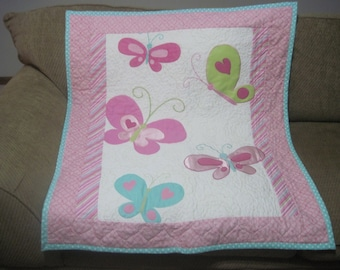 Butterflies baby and/or toddler quilt