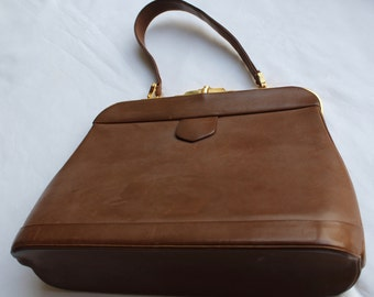 Vintage GLADSTONE Style HANDBAG Beautiful Leather High QUALITY from 1960s Valentines Gift