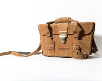 Ranchero Tan Suede Camera Bag 1970s Photography Case R-630 Train Case