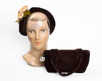 FABULOUS 1930s Frank R. Jelleff Chocolate Brown Velvet Hat & Handbag Set with Lucite Pull // Art Deco