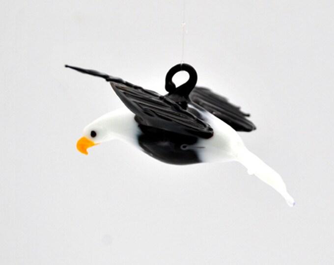 e36-371 Large Bald Eagle with Black wings