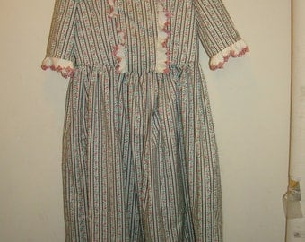Costume Child Girls Colonial Gown and Mob Cap Martha Washington Size 5-6 New