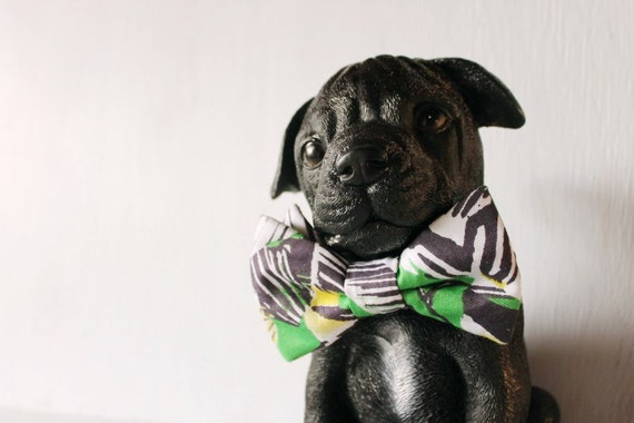 Dog bow tie >> Green, blue and white bow with elastic >> Pet gift
