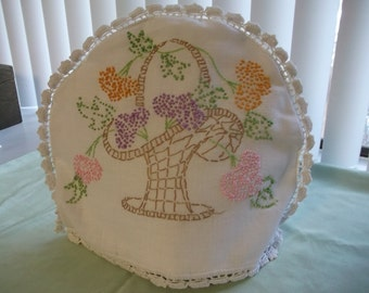 Vintage Hand Embroidered Vintage Linen Tea Cozy. Cottage Chic Tea Cozy